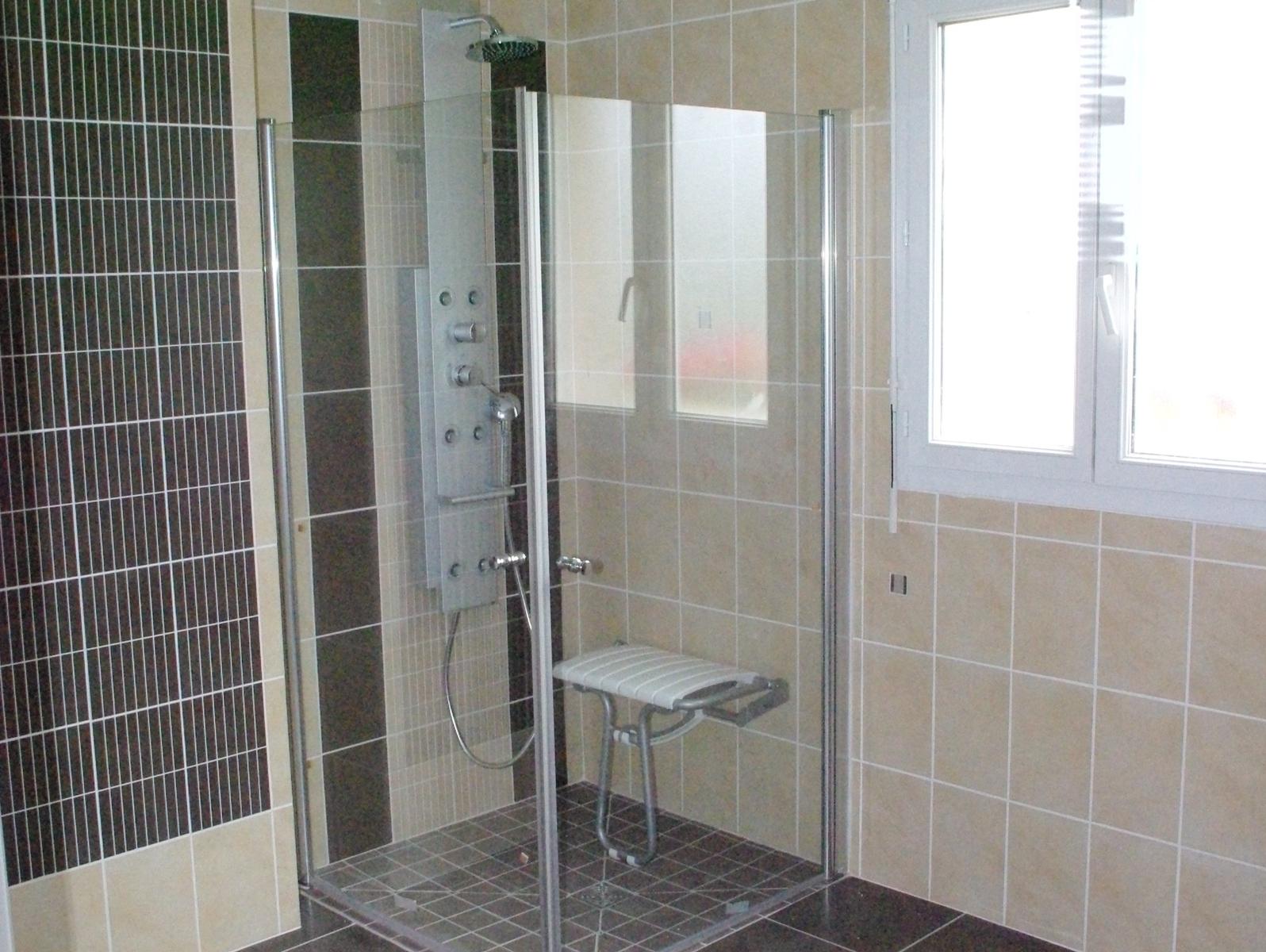 r novation salle de bains coutances am nagement pmr gilles guenier. Black Bedroom Furniture Sets. Home Design Ideas